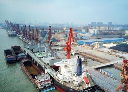 外贸交出成绩单:进出口连续七个月实现正增长